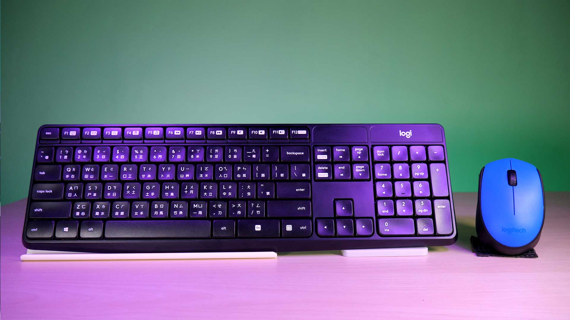 Logitech-MK470-08
